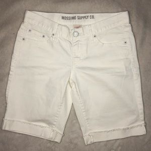 Mossimo Supply Co. White Knee Length Shorts- Sz 7
